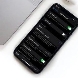 """iPhone con impostazioni """"Non Disturbare"""""""